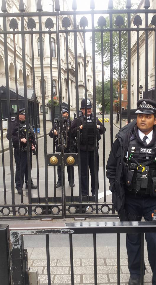 cops-at-downing-street
