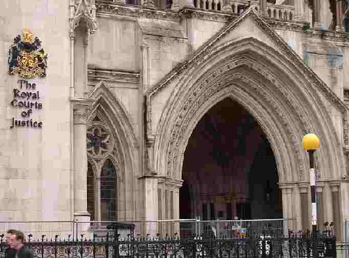 royal_courts_justice_entrance_strand_london