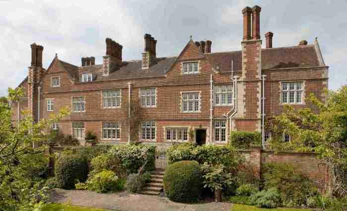 Crawley Grange
